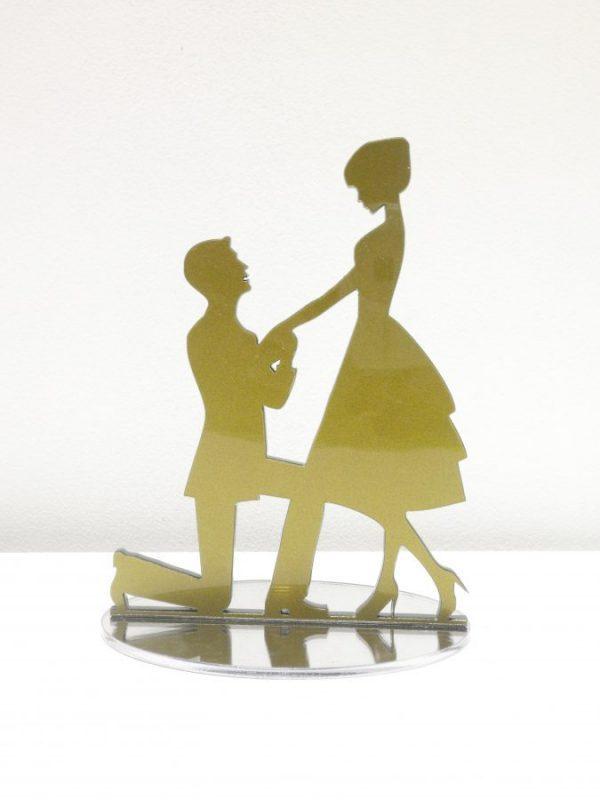 Topo de bolo com noivos