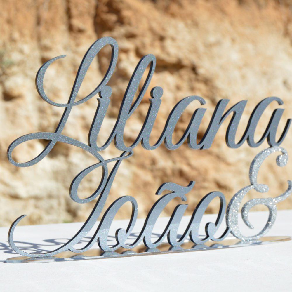 Nomes para casamento em acrílico